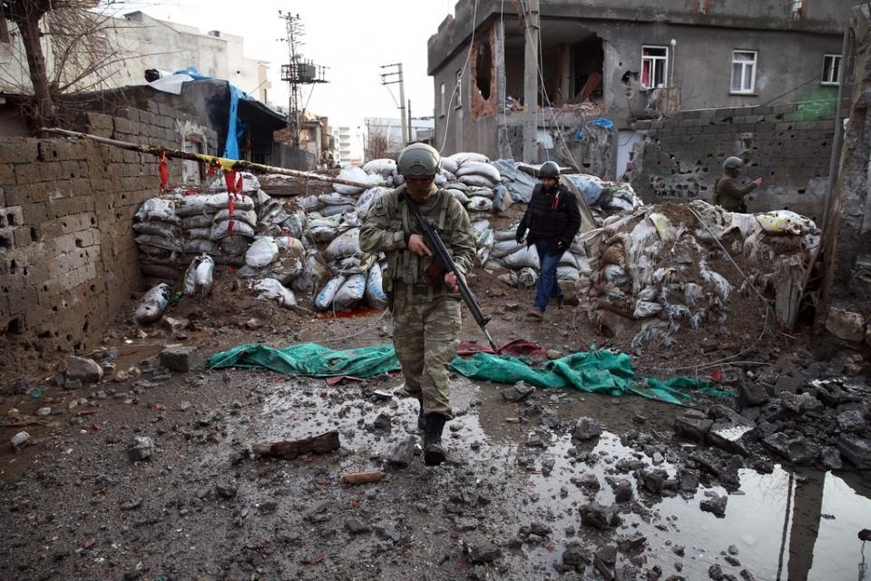 Cizre'de PKK'nın inlerine operasyon 55
