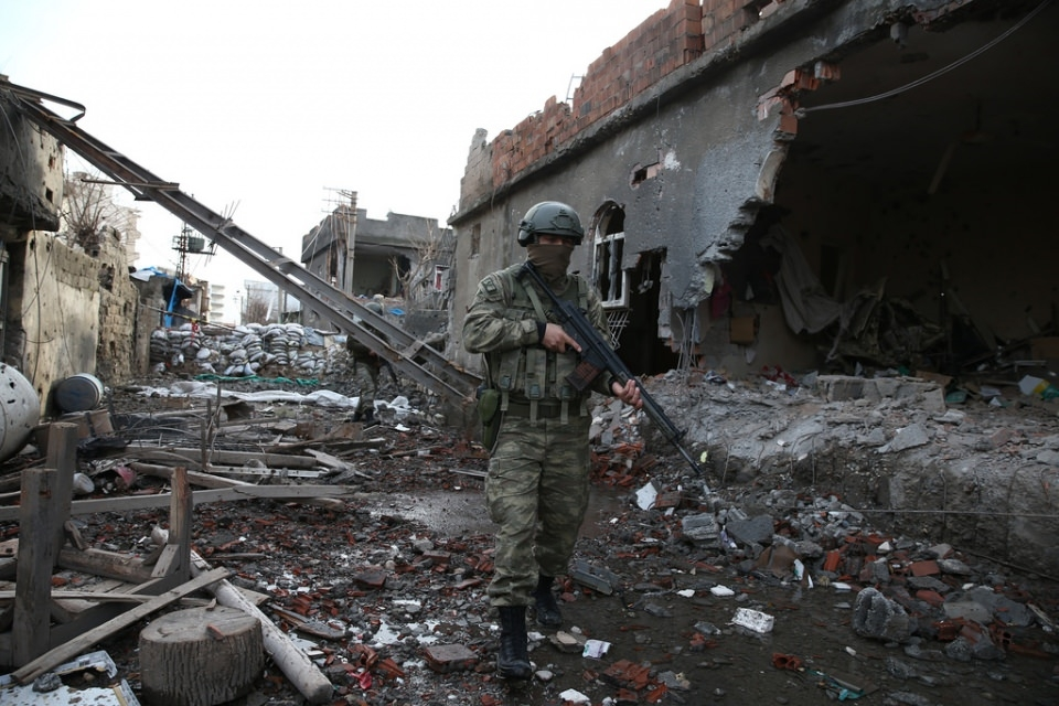 Cizre'de PKK'nın inlerine operasyon 56