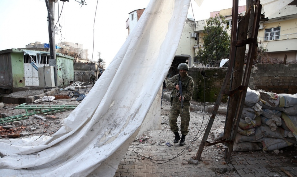 Cizre'de PKK'nın inlerine operasyon 57