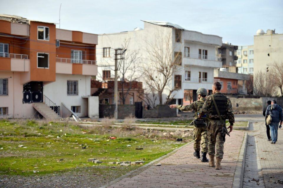 Cizre'de PKK'nın inlerine operasyon 61