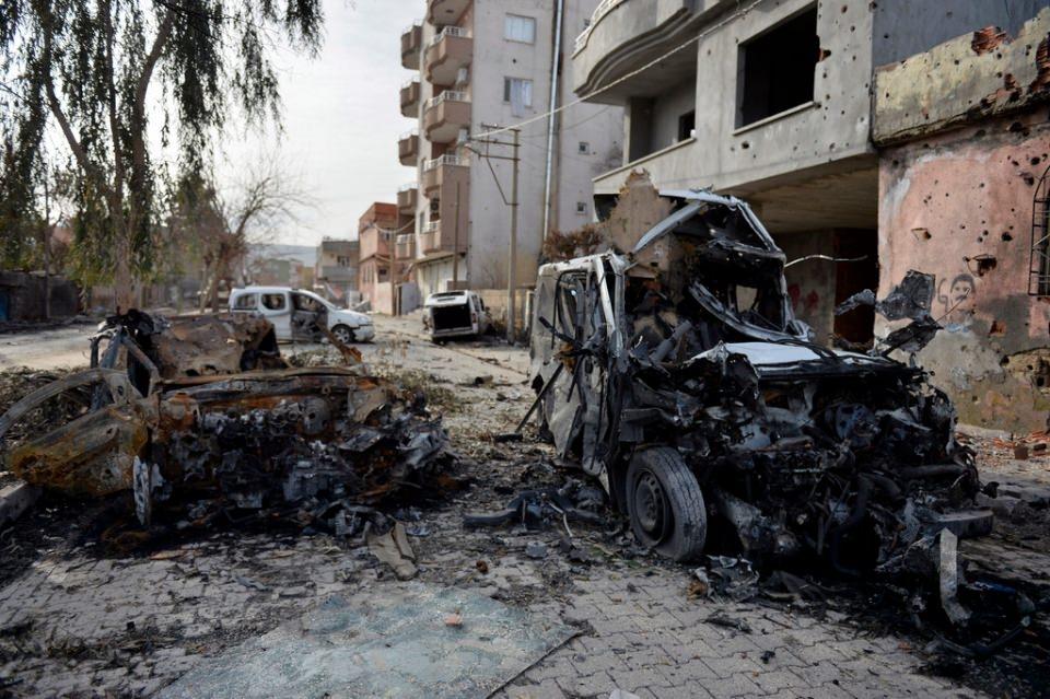 Cizre'de PKK'nın inlerine operasyon 64