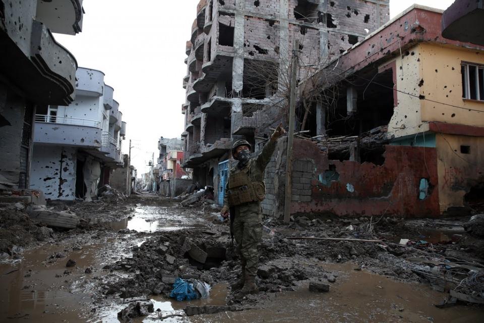 Cizre'de PKK'nın inlerine operasyon 72
