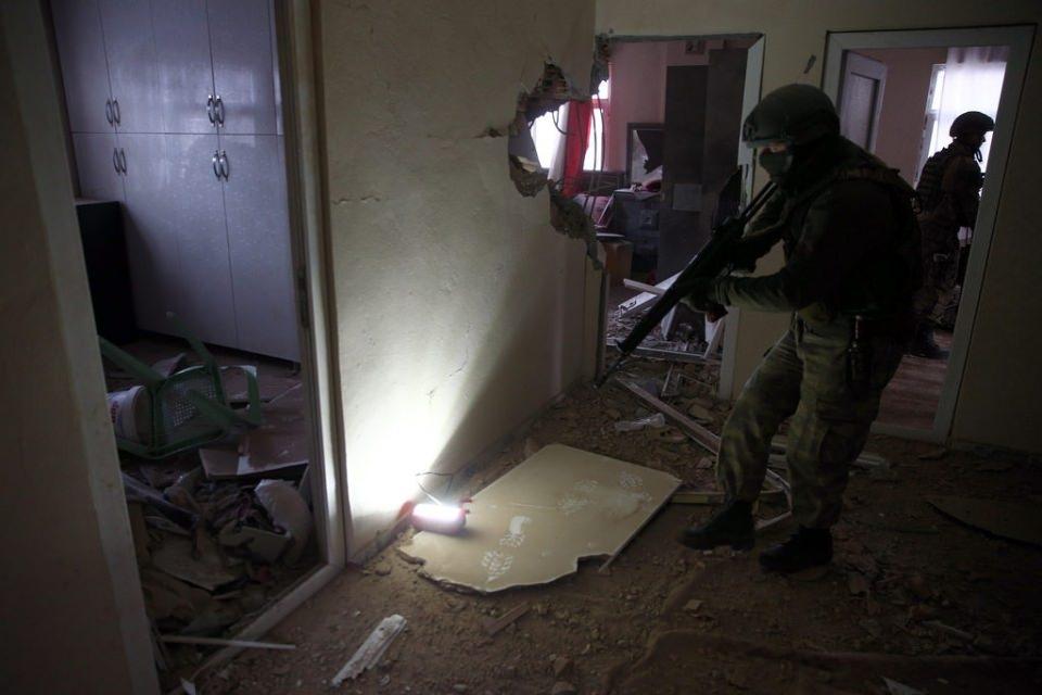 Cizre'de PKK'nın inlerine operasyon 78