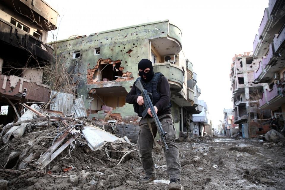 Cizre'de PKK'nın inlerine operasyon 8