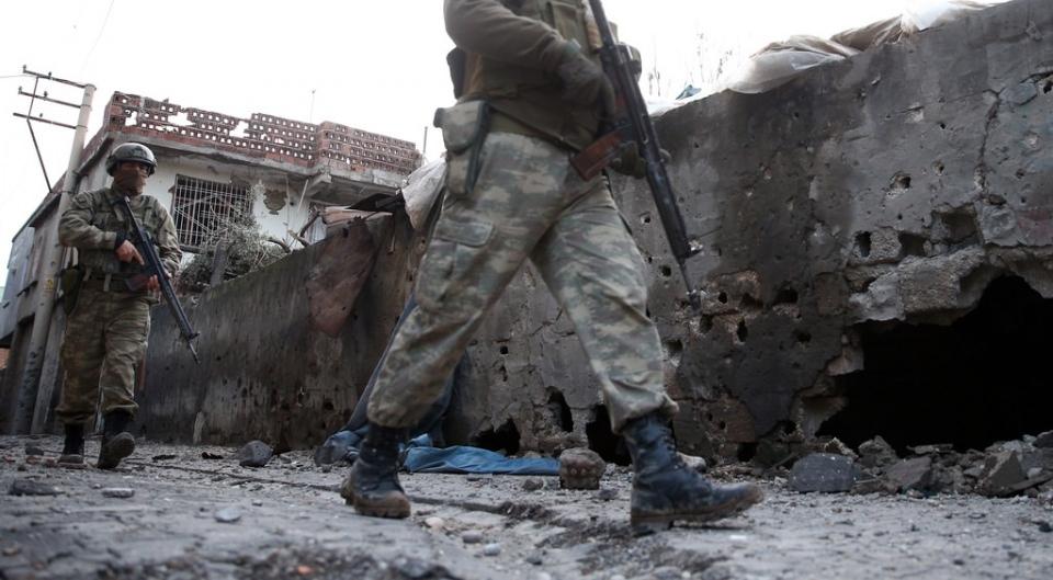 Cizre'de PKK'nın inlerine operasyon 80