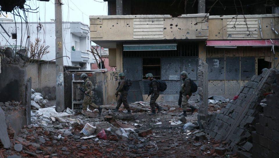 Cizre'de PKK'nın inlerine operasyon 81