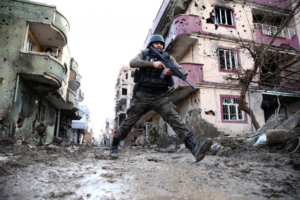 Cizre'de PKK'nın inlerine operasyon 9
