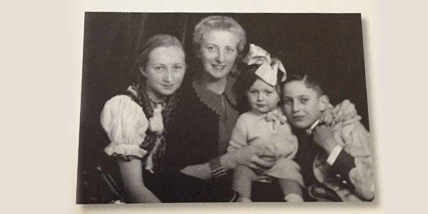 Koç Ailesi'nin albümünden çok özel fotoğraflar 25