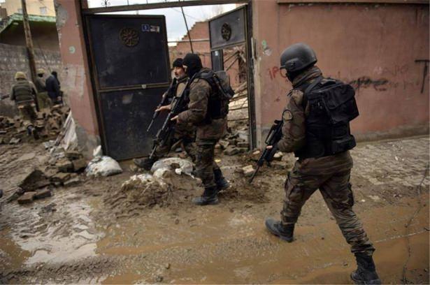 Asker ve polisten karış karış tarama! 15