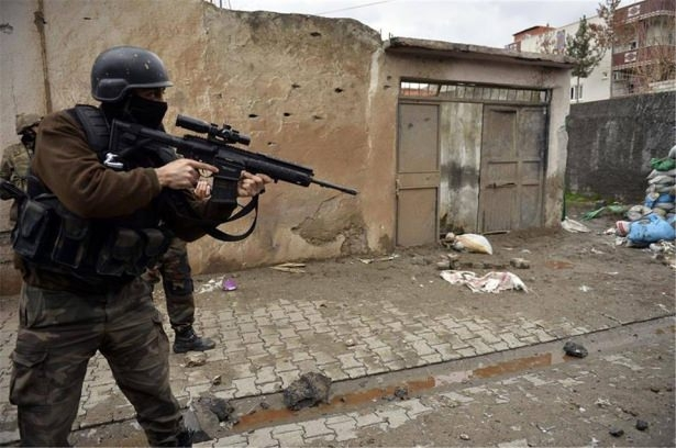 Asker ve polisten karış karış tarama! 21