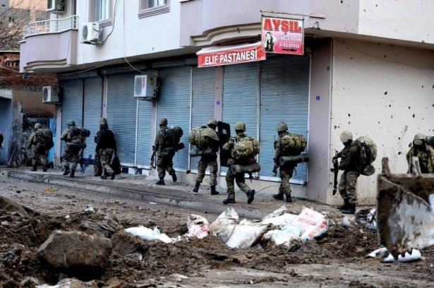 Asker ve polisten karış karış tarama! 25
