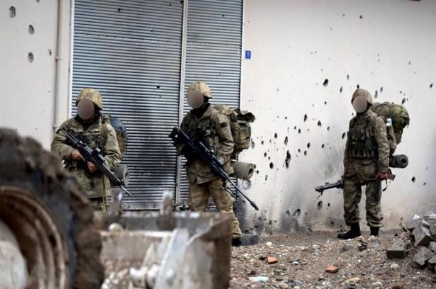 Asker ve polisten karış karış tarama! 37
