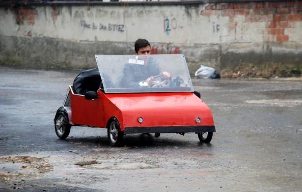 Liseli genç, güneş enerjisili otomobil yaptı 4