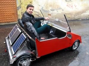 Liseli genç, güneş enerjisili otomobil yaptı