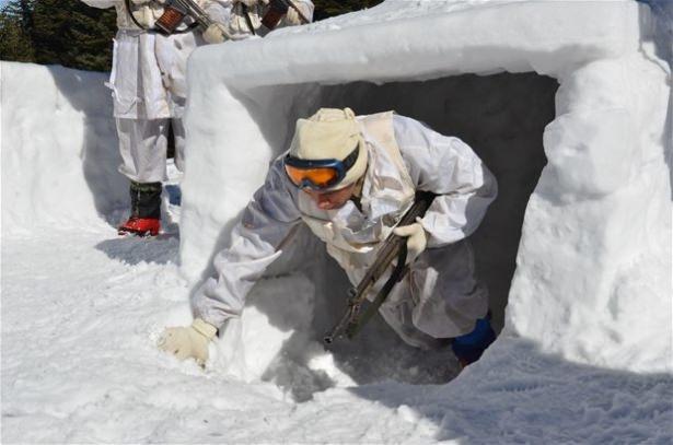 """""""Özel komando""""lar Ilgaz Dağı'nda kış eğitiminde 10"""
