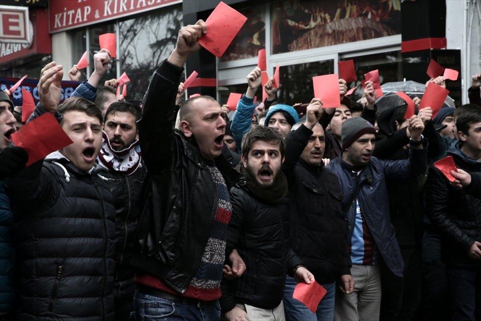 Trabzon'da kırmızı kartlı protesto 6