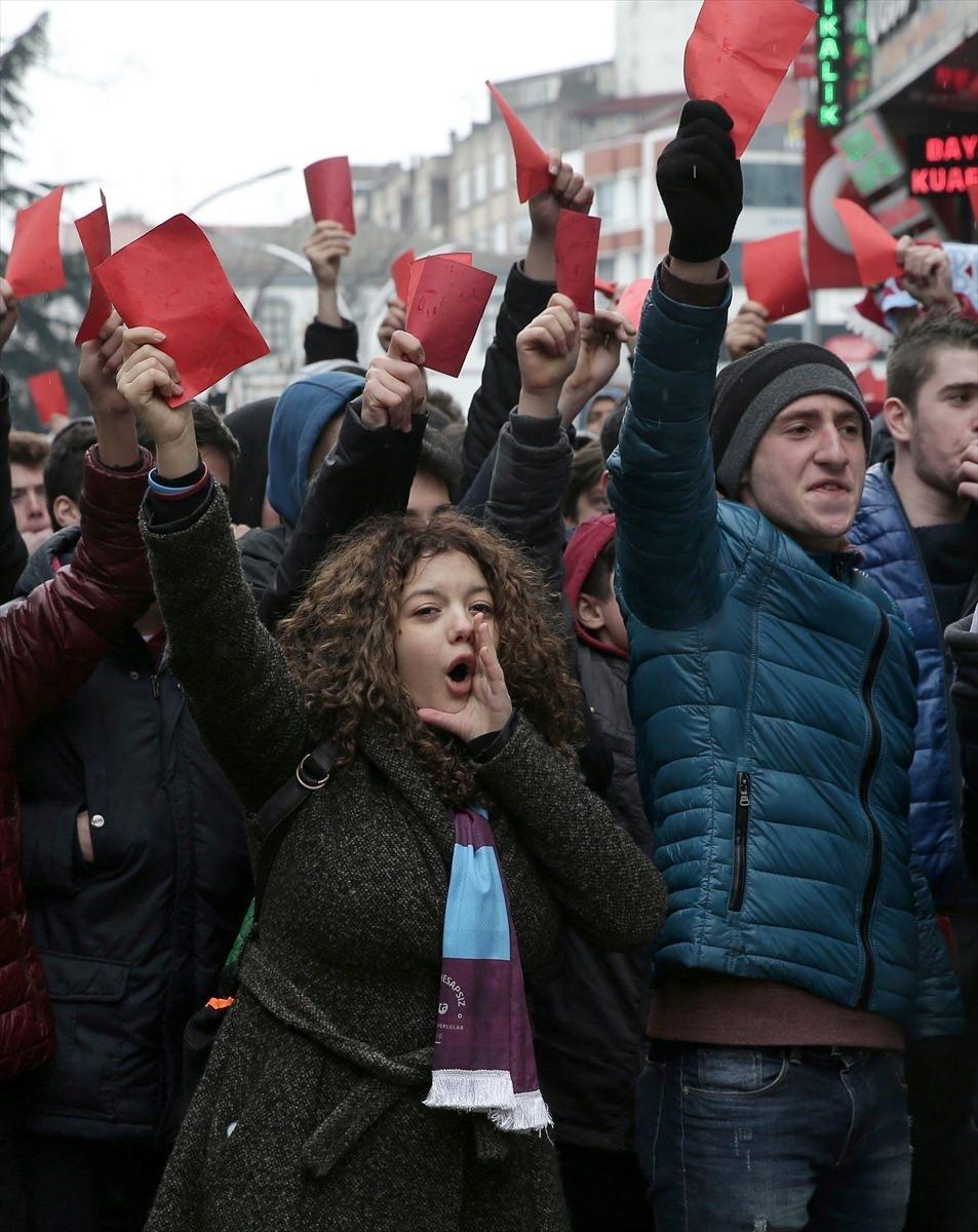 Trabzon'da kırmızı kartlı protesto 7