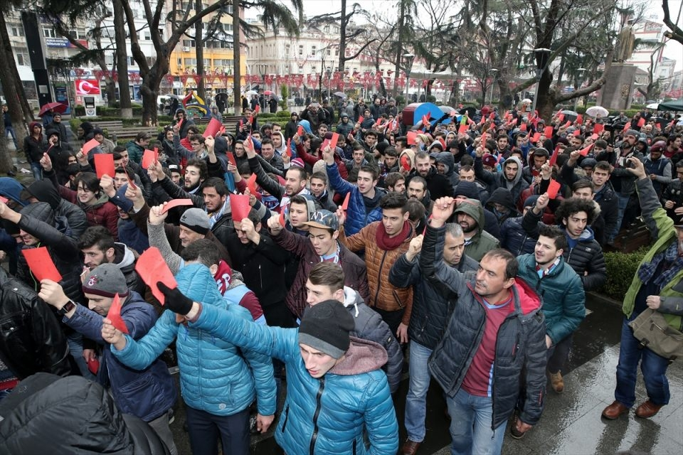 Trabzon'da kırmızı kartlı protesto 8