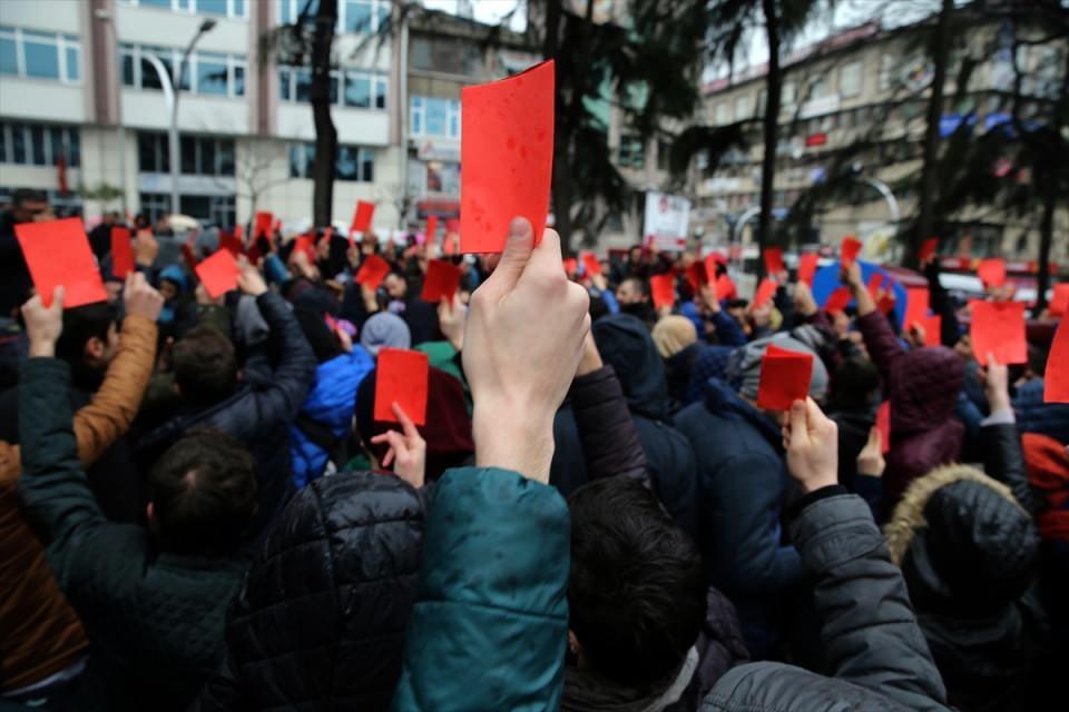 Trabzon'da kırmızı kartlı protesto 9
