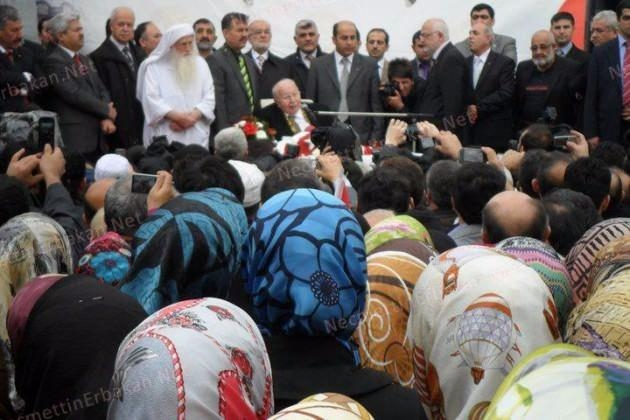 Vefatının 5. yılında Erbakan Hoca 115