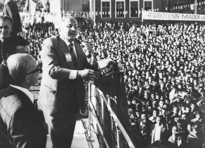Vefatının 5. yılında Erbakan Hoca 44