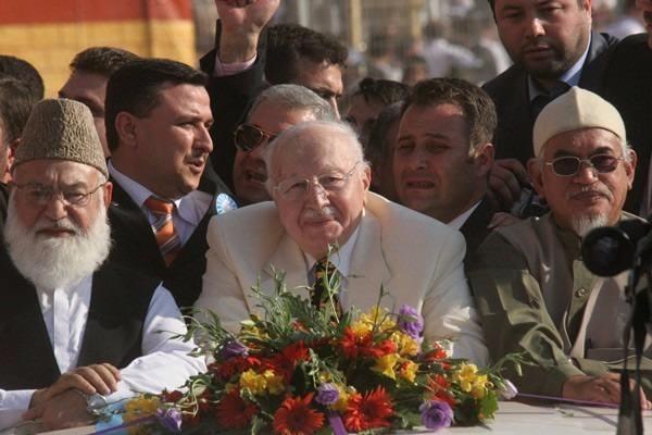 Vefatının 5. yılında Erbakan Hoca 50