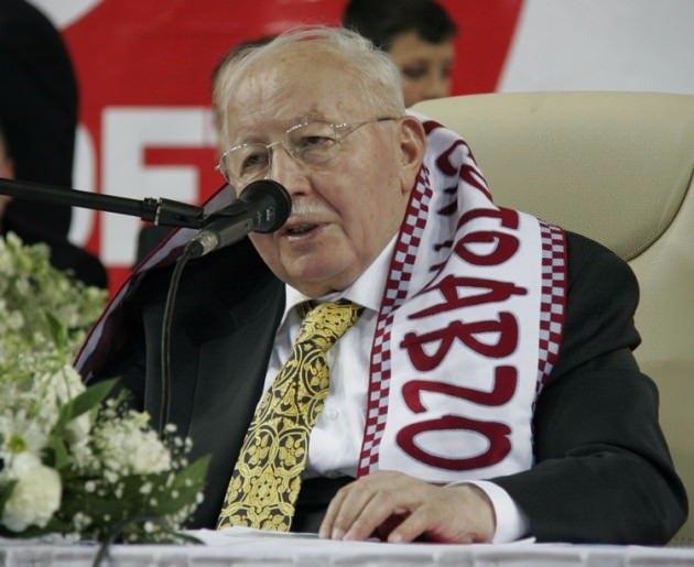 Vefatının 5. yılında Erbakan Hoca 96
