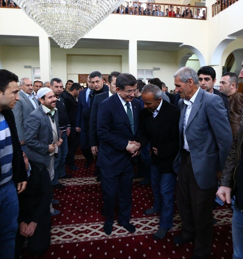 Başbakan Cuma namazını Silopi'de kıldı 1