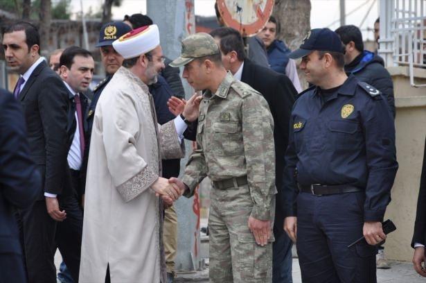 Başbakan Cuma namazını Silopi'de kıldı 12