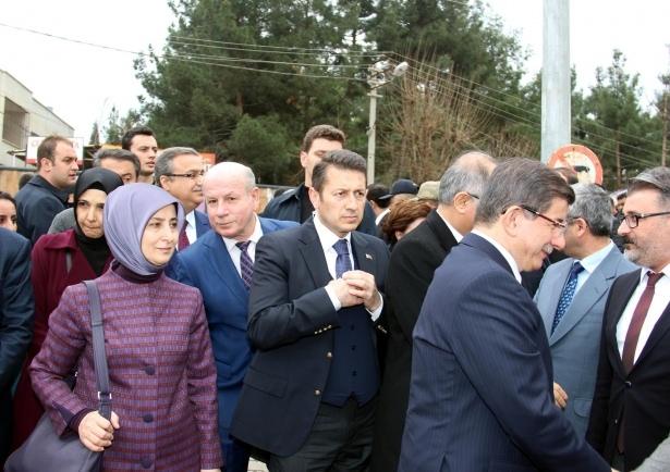 Başbakan Cuma namazını Silopi'de kıldı 16