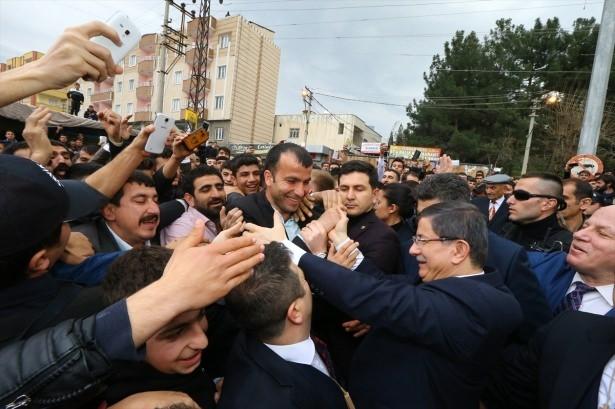 Başbakan Cuma namazını Silopi'de kıldı 25