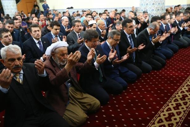Başbakan Cuma namazını Silopi'de kıldı 5