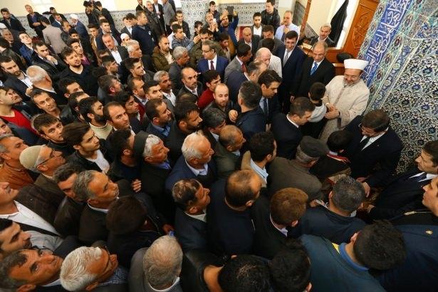 Başbakan Cuma namazını Silopi'de kıldı 6