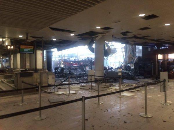 Brüksel Havalimanı'nda patlama 16