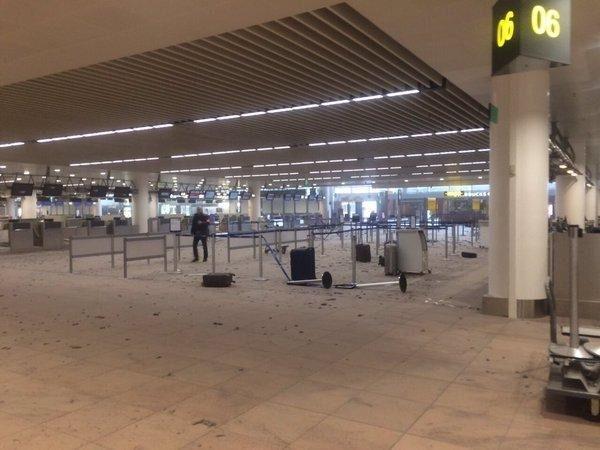 Brüksel Havalimanı'nda patlama 17