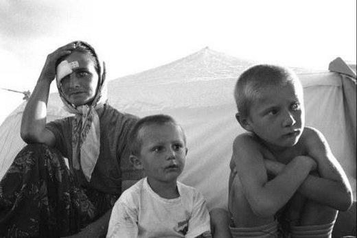 Srebrenitsa katliamının korkunç fotoğrafları 14