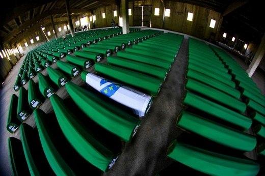 Srebrenitsa katliamının korkunç fotoğrafları 21