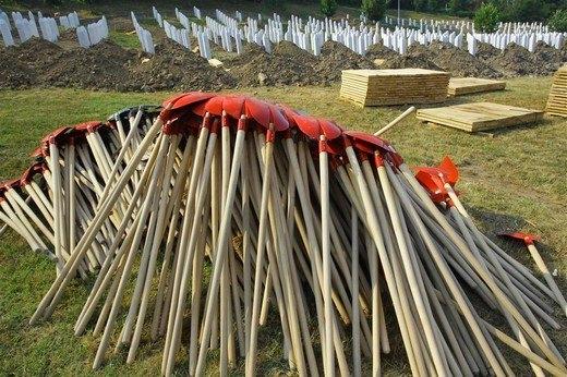 Srebrenitsa katliamının korkunç fotoğrafları 22