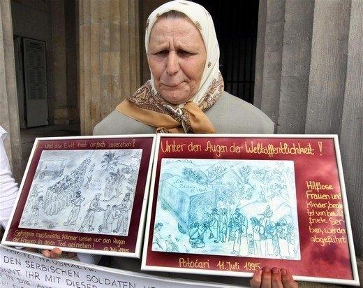Srebrenitsa katliamının korkunç fotoğrafları 29