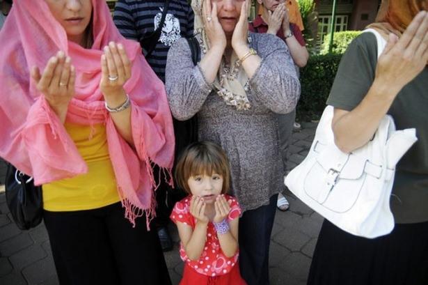 Srebrenitsa katliamının korkunç fotoğrafları 30