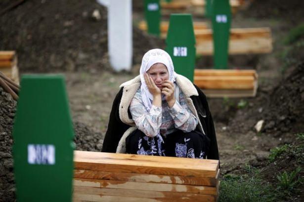 Srebrenitsa katliamının korkunç fotoğrafları 33