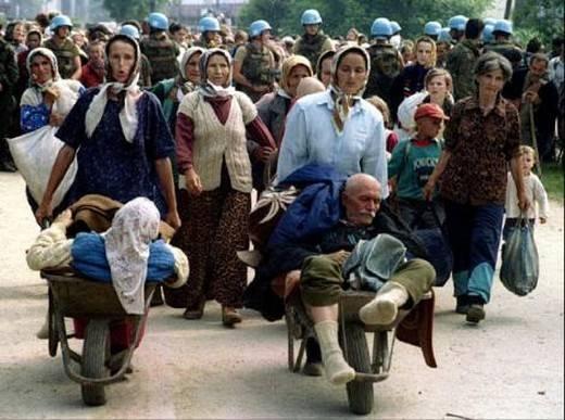 Srebrenitsa katliamının korkunç fotoğrafları 9