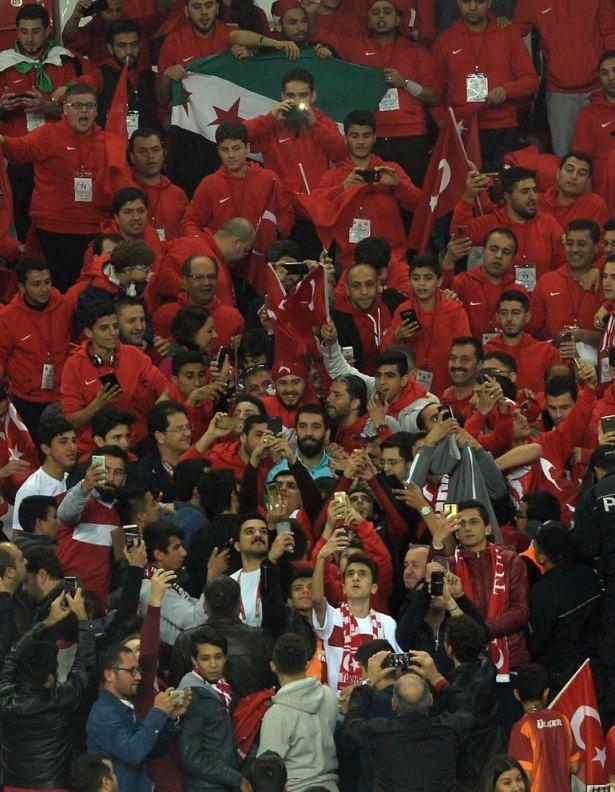 Türkiye-İsveç maçından kareler 1