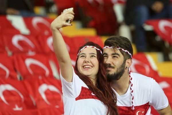 Türkiye-İsveç maçından kareler 7