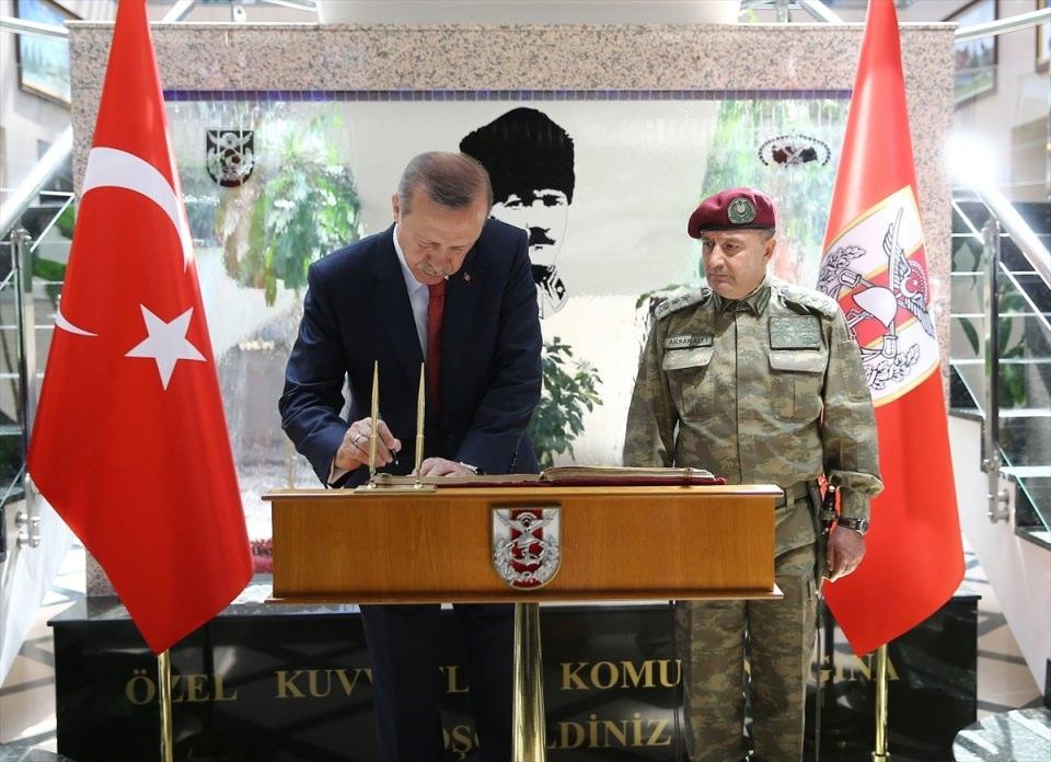 Erdoğan'dan Özel Kuvvetler'e ziyaret 16