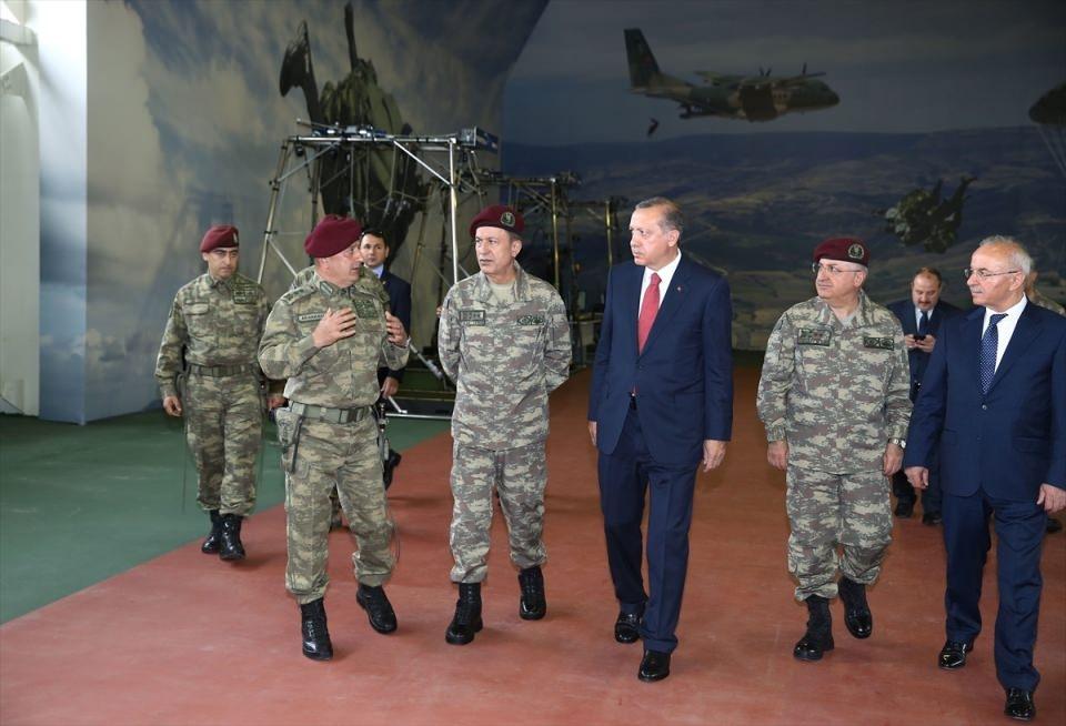 Erdoğan'dan Özel Kuvvetler'e ziyaret 18