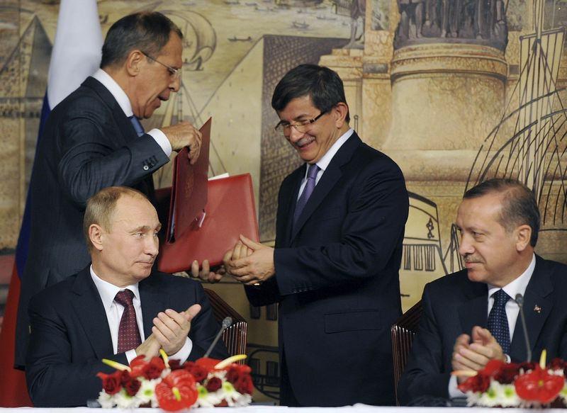 İki yol arkadaşı 'Erdoğan ve Davutoğlu' 14