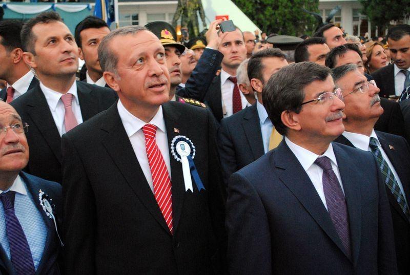İki yol arkadaşı 'Erdoğan ve Davutoğlu' 19