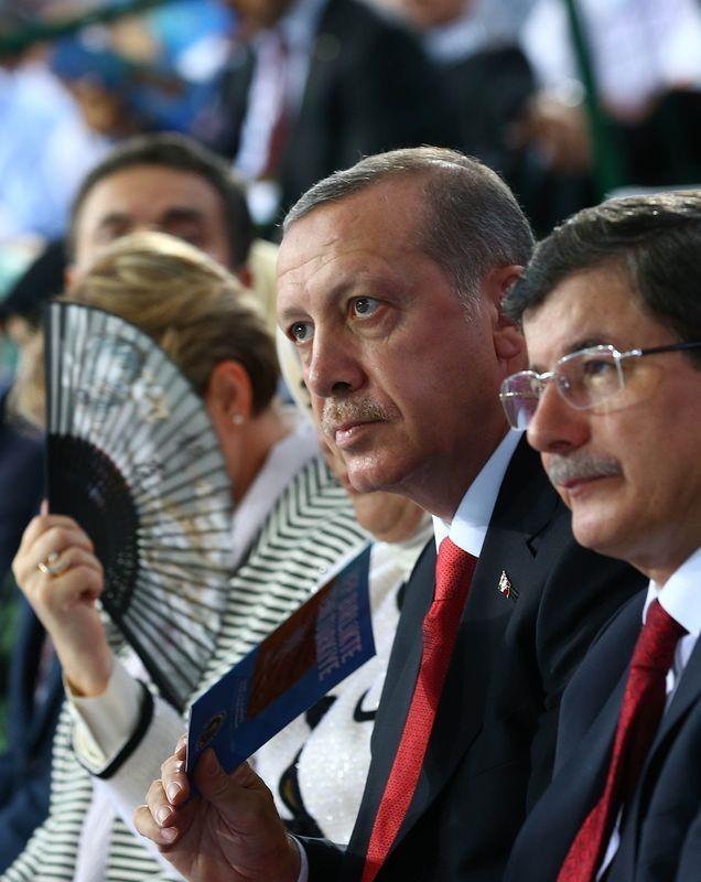 İki yol arkadaşı 'Erdoğan ve Davutoğlu' 25