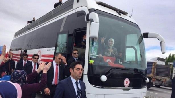 Sare Davutoğlu'ndan Konya'da dikkat çeken hareket 1
